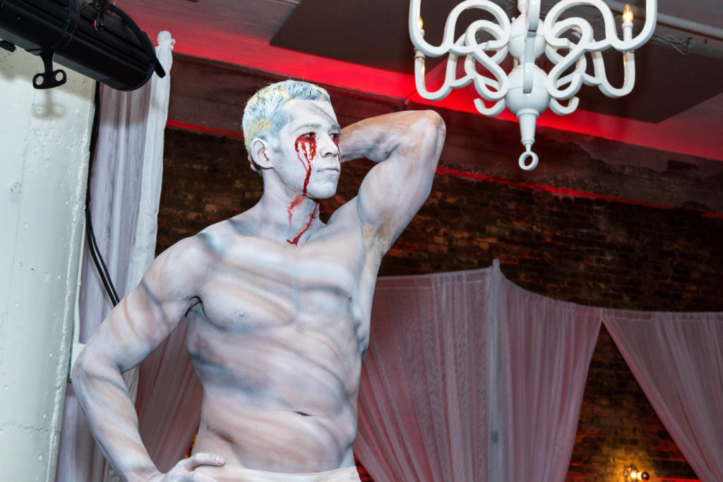 Human Statue- Enticing Entertainment- Freakshow- Loring Social